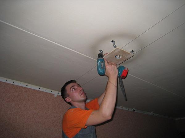 Как установить натяжной потолок своими руками видео